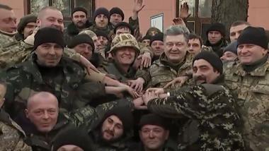 Minsk-2: Kiew hinkt beim Abzug schwerer Waffen hinterher