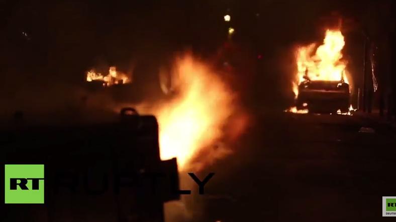 Griechenland: Fliegende Flaschen und brennende Autos in Athen