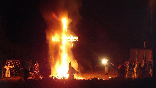 """""""Wir können alles. Außer Mordaufklärung?"""" Die Verbindungen zwischen Ku-Klux-Klan und Polizei in Ba-Wü"""