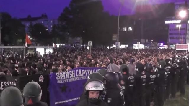 Live: Antikapitalistische Demonstration in Berlin-Wedding