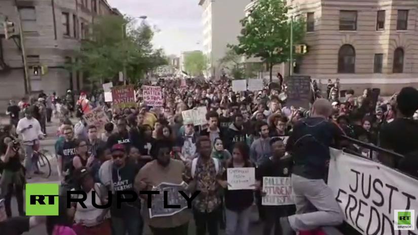 Live: Trotz verhängter Ausgangssperre in Baltimore wurden weitere Proteste angekündigt