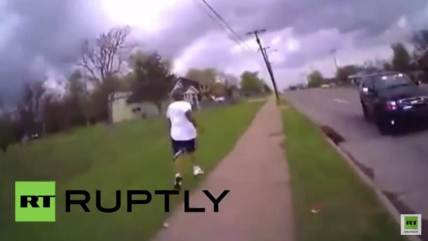 """Erneut stirbt ein Afro-Amerikaner in den USA durch Polizeikugel: """"Oh, ich hab auf ihn geschossen, sorry"""""""