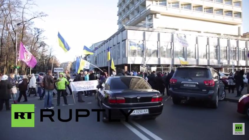 """Ukraine: """"Finanz Maidan"""" Aktivisten blockieren Straßen in Kiew"""