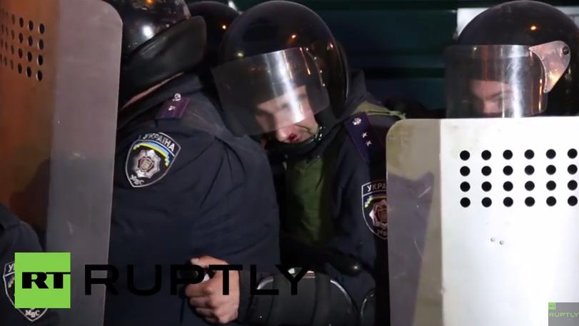 Ukraine: Bilder wie auf dem Maidan – Protest schlägt in Gewalt um