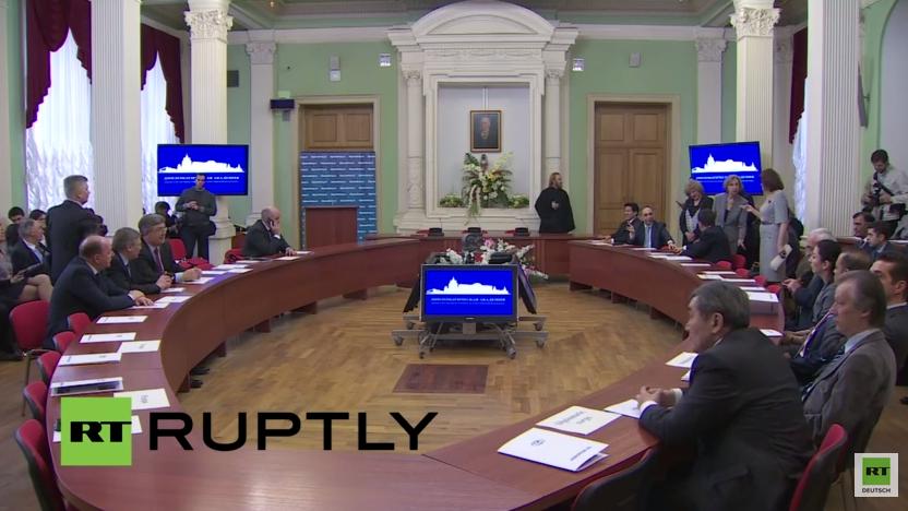 Live: Kirill und Lawrow besuchen Moskauer Diplomatenakademie – englische Übersetzung von Lawrow