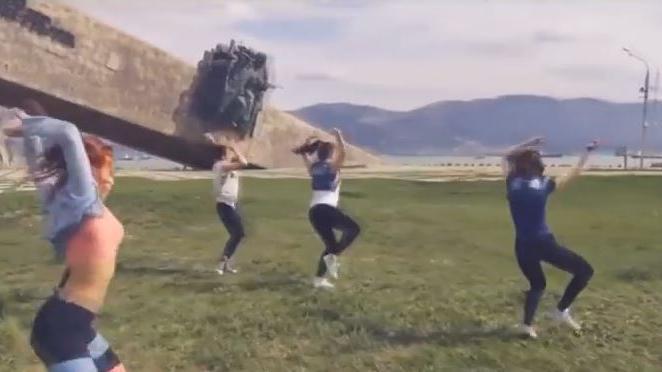 """Kreml zum """"Twerking""""-Skandal: Tanz nicht mehr aus Russland wegzudenken, aber bitte nicht vor Kriegsdenkmälern"""