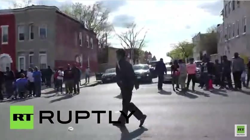 Michael Jackson Show begleitet Baltimore Proteste