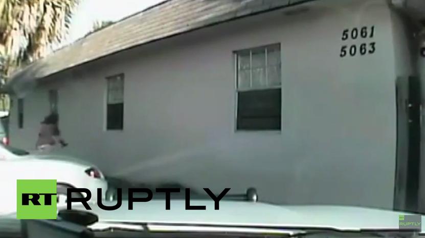 USA: Weiteres Dashcam-Video zeigt wie Polizist auf unbewaffneten Afro-Amerikaner schießt