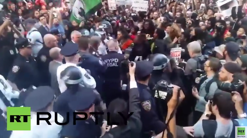 New York: Mindestens 60 Demonstranten bei Freddie Gray Demo festgenommen