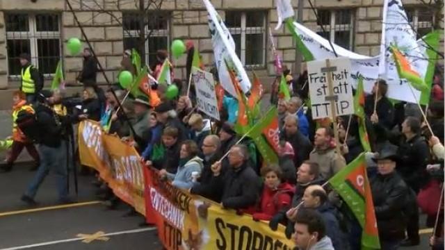 Live: Berlin macht mit beim weltweiten Protesttag gegen TTIP