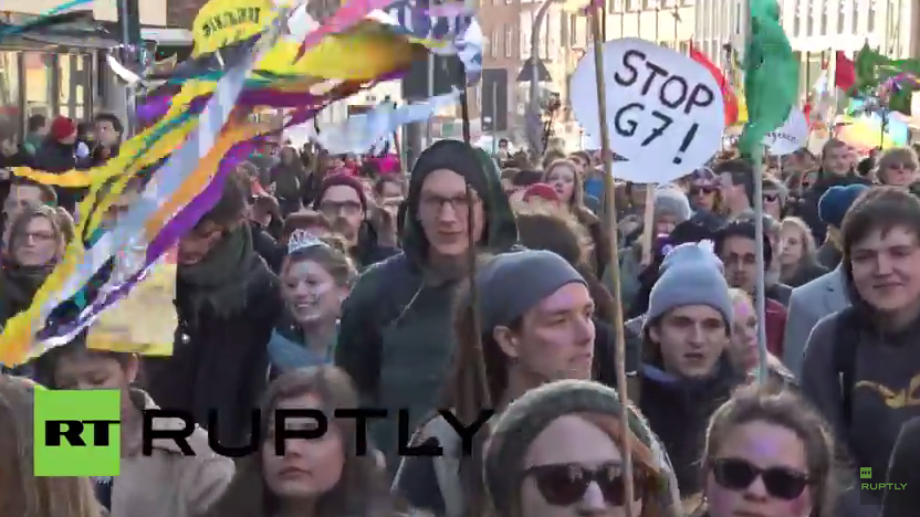 """Live: """"Stop G7"""" Protest in Lübeck"""