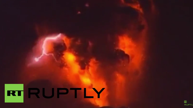 Chile: Vulkan Calbuco bricht erneut aus und liefert atemberaubende Bilder