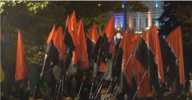 """Auch lesen:""""Die Zeiten des Volkszorns sind gekommen"""" – Ukrainische Ultra-Nationalisten drohen mit weiteren Morden"""