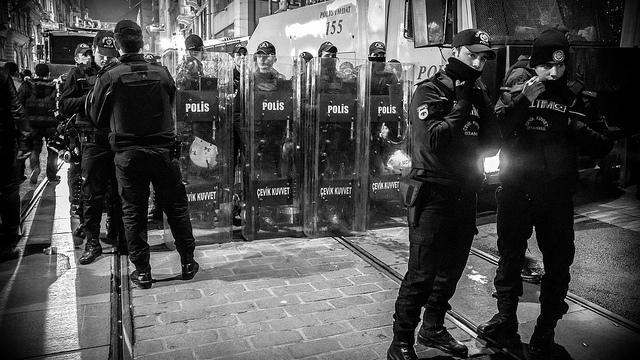 Türkische Waffen für Dschihadisten in Syrien? Inhaftierte Staatsanwälte halten Vorwürfe gegen Regierung aufrecht
