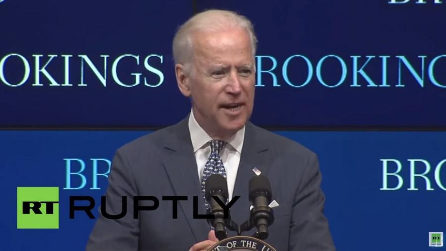 Rede vor US-Denkfabrik: Joe Biden skizziert Horrorszenario eines intriganten Russlands und lobt indirekt RT