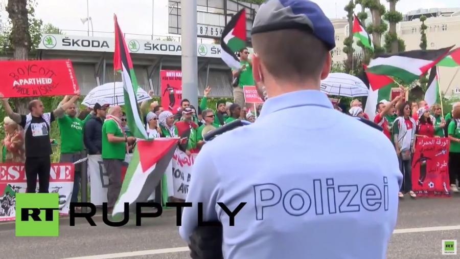 Schweiz: Demonstranten verlangen Boykott und Expulsion Israels von der Fifa