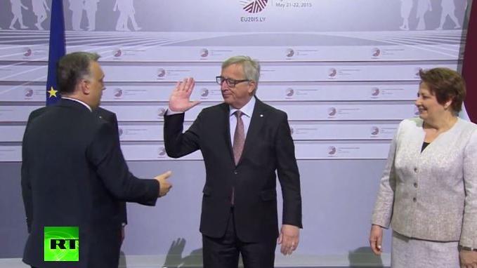 """Eklat bei EU-Gipfel: Kommissionschef Juncker begrüßt ungarischen Ministerpräsidenten mit den Worten: """"Der Diktator kommt"""""""