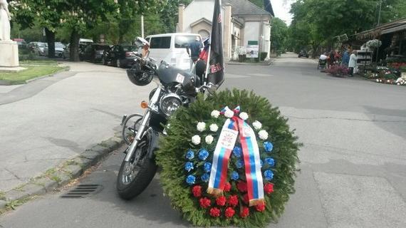"""""""Rette sich wer kann"""" – Medienhysterie in Deutschland wegen einer Handvoll russischer Biker"""