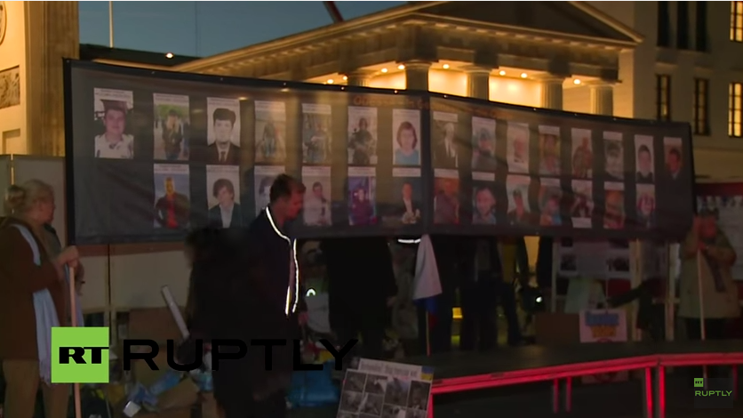 Live: Berliner gedenken der Opfer des Odessa-Massakers am Brandenburger Tor