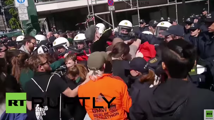 Stuttgart: Tausende gegen Pegida - Konfrontationen zwischen Polizei und Demonstranten