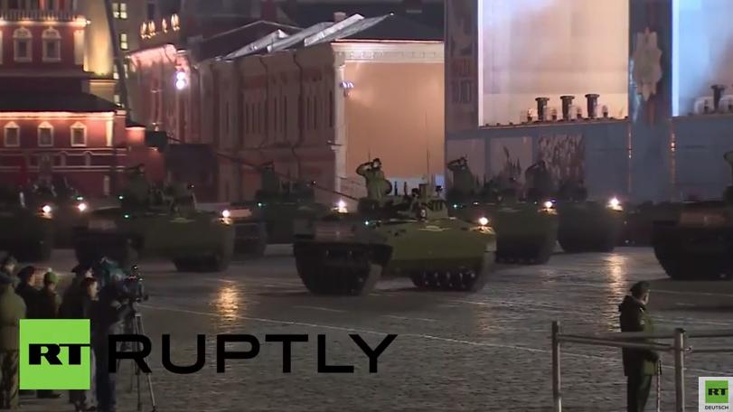 Moskau kurz vor dem Großevent - Eine der letzten Proben für Siegesparade