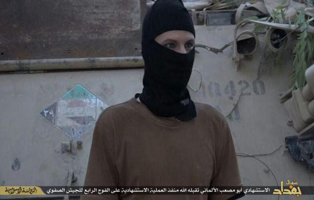 Ein Bild von Mark K. mit einer Sturmmaske kurz vor seinem Anschlag. Bildquelle: Screenshot vom IS-Video