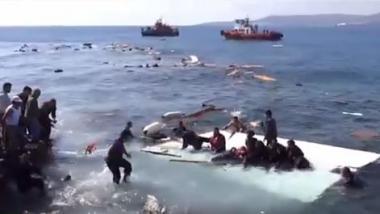 Gerettete Flüchtlinge an griechischer Küste. Quelle: www.rodiaki.gr via Ruptly