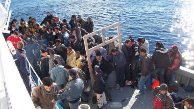 Bald Angriffsziel der EU? Afrikanische Bootsflüchtlinge. Foto Quelle: Vito Manzari CC BY 2.0
