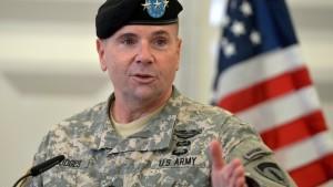 """Oberkommandeur der US-Armee in Europa auf """"Truppenbesuch"""" in der Ukraine"""