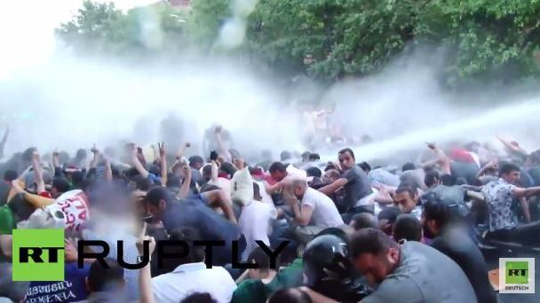 Armenische Polizei schlägt Demonstration gegen Strompreiserhöhungen nieder