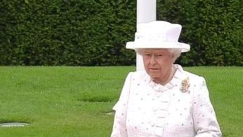 Live: Kanzlerin Merkel lädt Königin Elisabeth II ins Kanzleramt ein