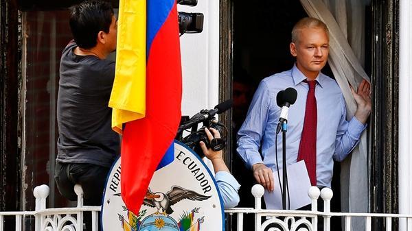 Julian Assange: Seit drei Jahren in der ecuadorianischen Botschaft in London gefangen
