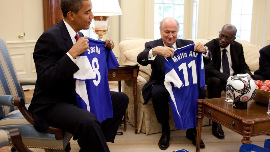 Fifa-Präsident Blatter gibt Rücktritt bekannt - Sonderkongress soll Nachfolger wählen
