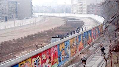"""Nach 25 Jahren wieder in Mode? Ungarn plant 175 km Schutzmauer """"gegen Migrationsproblem"""""""