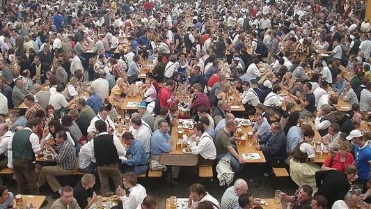 Beliebt in München und anderswo: Das Oktoberfest. Foto Quelle: Gutsul cc