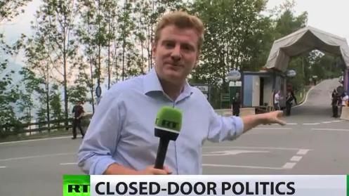 RT-Reporter Peter Oliver bei den Bilderbergern