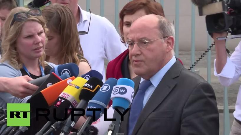 Gysi: Wollen wir, dass Russland oder China mit einer Griechenland-Lösung kommt?