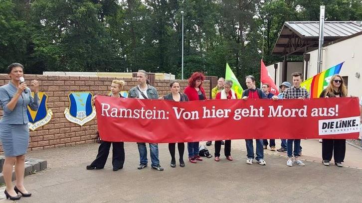 Linksfraktion demonstriert vor US-Airbase Ramstein – Bundestagsabgeordneten wird Zutritt von US-Militär verwehrt