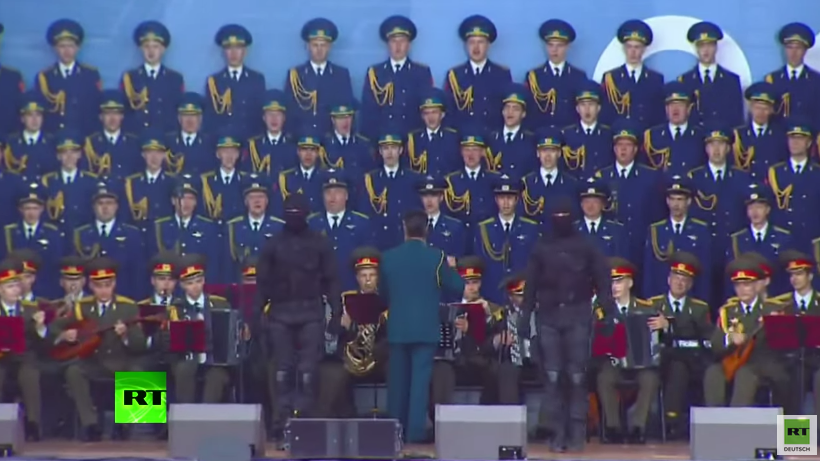 Russlands Militär-Expo: Speznas-Soldaten tanzen Roboter-Tanz