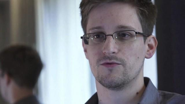 Live: Fragerunde mit Edward Snowden durch Amnesty International