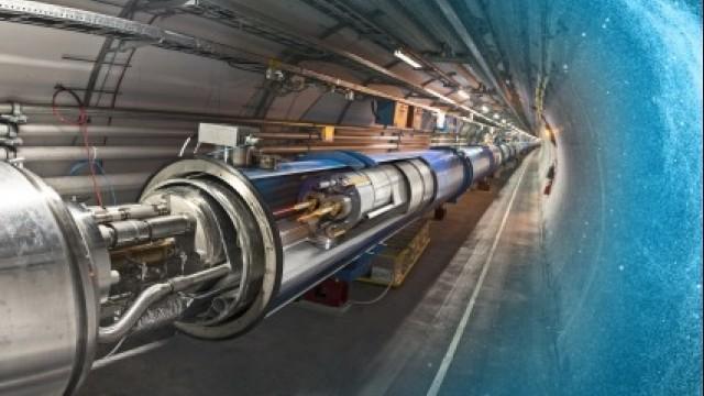 LIVE: CERN Teilchenbeschleuniger erprobt Protonen-Kollision nach 27 Monaten Pause