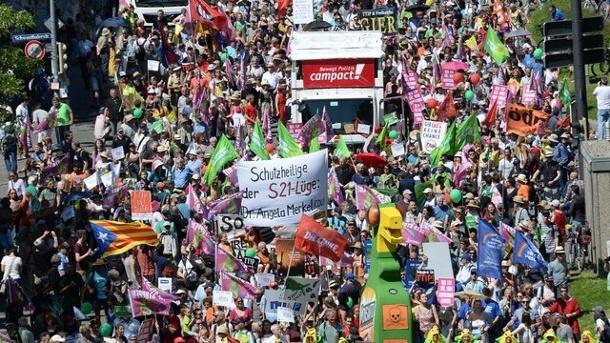 Live: Über 30.000 demonstrieren in München gegen G7-Gipfel