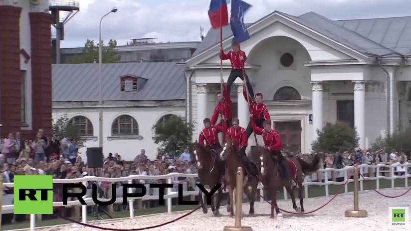 Moskau: Dschigiten-Reiter des Kreml zeigen ihr Können zum Tag Russlands