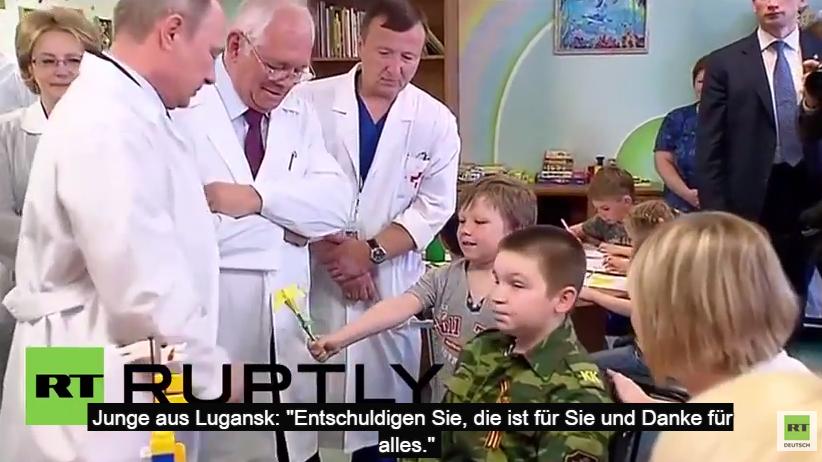 Russland: Putin besucht verletzte Kinder des Ukraine-Konflikts - mit deutschen Untertiteln