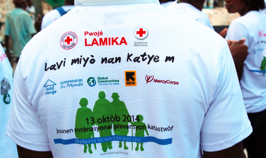 Werbung ja - Notunterkünfte lieber nicht? Das US-amerikanische Rote Kreuz in Erklärungsnot - Quelle: Buildup