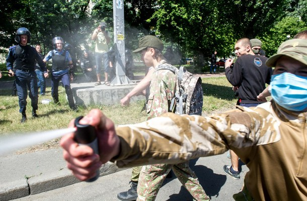 Auch lesen:Angriffe des Rechten Sektors auf Schwule und Lesben in Kiew – Russland überrascht von fehlender Reaktion der EU