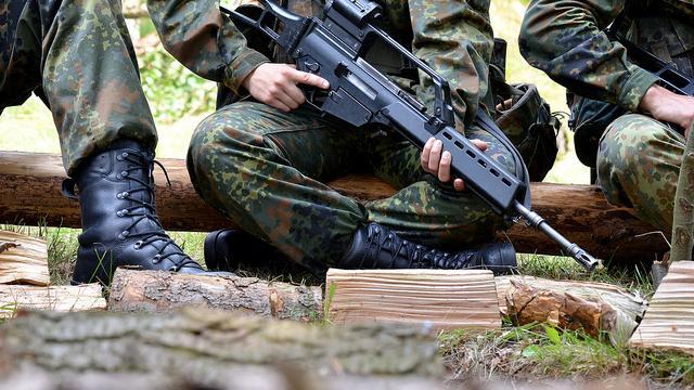 Deutschland will Angola zum Großabnehmer von Rüstungsgütern aufbauen