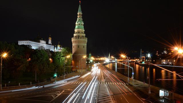 Ost-Ausschuss der Deutschen Wirtschaft warnt:  Langfristige Geschäftsbeziehungen in Russland brechen weg und 2015 droht ein Verlust von 10 Mrd. Euro