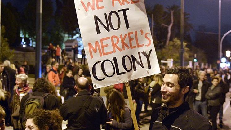 Nach dem OXI: Führende Ökonomen wenden sich mit Offenem Brief an Merkel und fordern Schuldenerlass