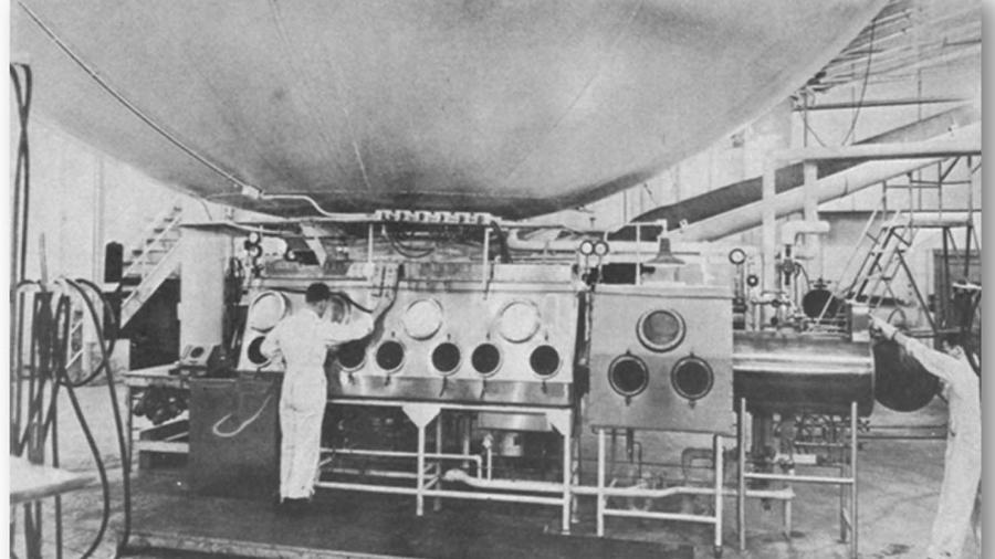 """Der """"Eight Ball"""" - Eine Apparatur die bei Operation Whitecoat eingesetzt wurde um Testpersonen mit Krankheiten zu infizieren."""
